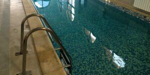 Scari, mobilier, balustrade inox pentru saune si piscine