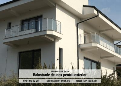 Casa cu balustrade din inox